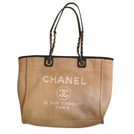 Chanel-Tote-Beige