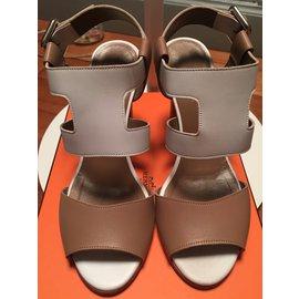 """Hermès-modèle """" inconnue""""-Blanc,Beige"""