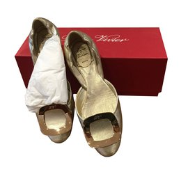 Roger Vivier-Ballet flats-Golden