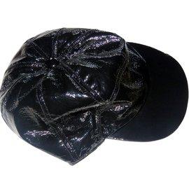 Chanel-Casquette-Noir
