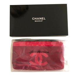 Chanel-Pochettes-Bordeaux