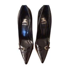 Burberry-Heels-Black