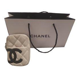 Chanel-Pochettes-Beige