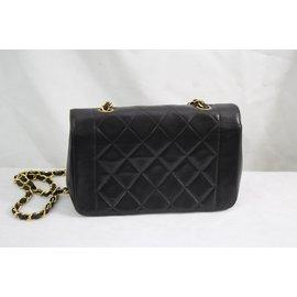 Chanel-Diana-Noir