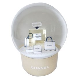 Chanel-Snowglobe-Golden