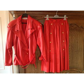 Guy Laroche-Tailleur Guy  Laroche-Rouge