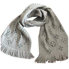 Louis Vuitton-Echarpe-Gris