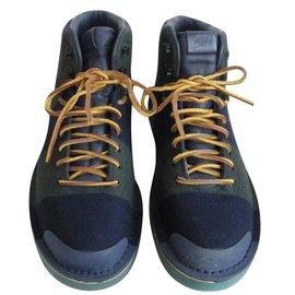 Nike-Sneakers-Multiple colors