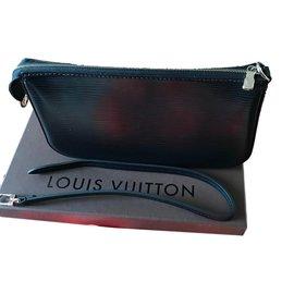 7e53a6e8cd Louis Vuitton-M40632 pochette epi noir-Noir ...
