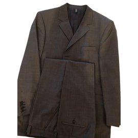 Givenchy-costume classique-gris anthracite