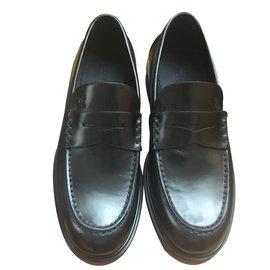 Louis Vuitton-Officier Loafer-Noir