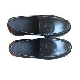 2f17e47f4db5 Second hand Louis Vuitton Flats - Joli Closet