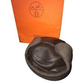 Hermès-Chapka-Dark brown