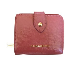 Burberry-Wallets-Pink