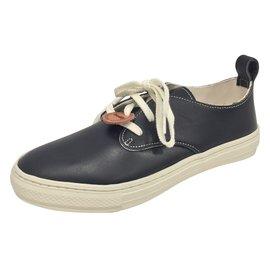10e0c8f9084b Second hand Sneakers - Joli Closet