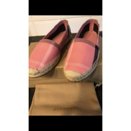 Burberry-Espadrilles-Pink