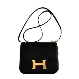 Hermès-Constance 18cm Black Evercalf leather with Gold Hardware-Black