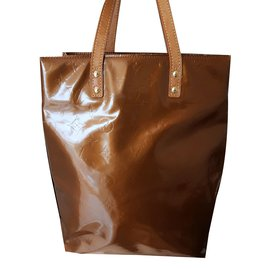 Louis Vuitton-Reade PM Vernis-bronze