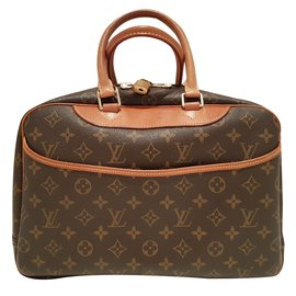 2dd78e4117d7 Second hand Luxury bag - Joli Closet