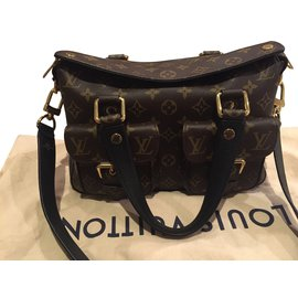 Louis Vuitton-Manhattan-Black