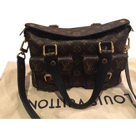 Louis Vuitton-Manhattan-Noir