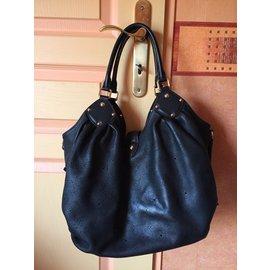 Louis Vuitton-Mahina L-Noir