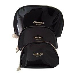 Chanel-Trousse-Noir
