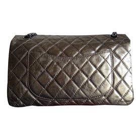 Chanel-timeess classique reissue 226-bronze