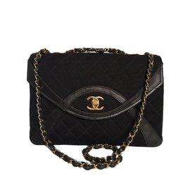 Chanel-Ravissant sac Chanel vintage en jersey et cuir agneau marron !-Marron