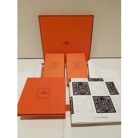 Hermès-Livre-Orange