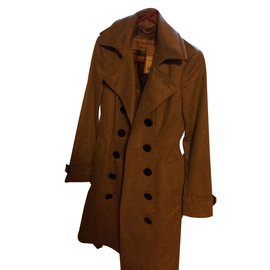 Burberry-Trench-Grey