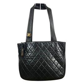 Chanel-Cabas en cuir Chanel matelassé-Noir