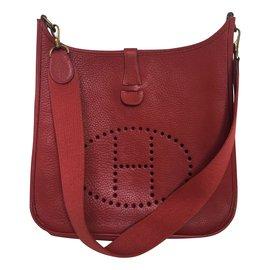 Hermès-Evelyne GM en Clémence Taurillon Fuchsia-Rouge
