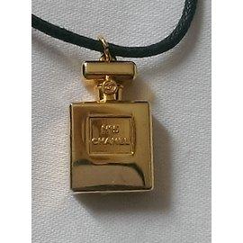 Chanel-Colliers-Doré
