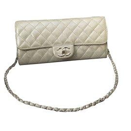 Chanel-Pochettes-Argenté
