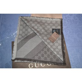 Gucci-Carrés-Marron