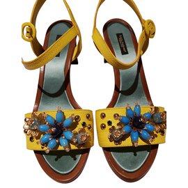 ac6fc944a4b5 Dolce   Gabbana-crocodile skin sandals with seashells-Red