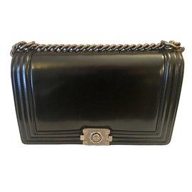 Chanel-Boy medium +-Black
