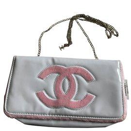 Chanel-Pochette-Blanc