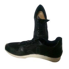 Veja-Sneakers-Black