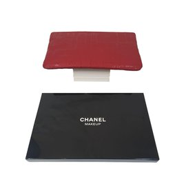 Chanel-Case-Red