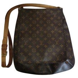 d03e8956ccac Givenchy Femme Sac à bandoulière Antigona. Louis Vuitton-Louis VUITTON  Musette Salas Monogramme Canvas-Marron ...