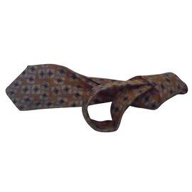 Chanel-cravate signée CHANEL en soie-Multicolore