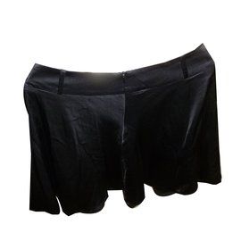 Emporio Armani-jupe-Noir