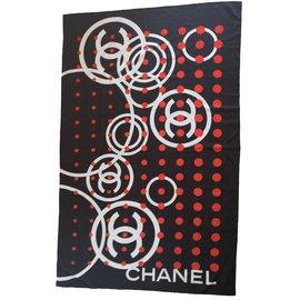 Chanel-Foulards-Noir,Blanc,Rouge