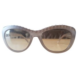 f5bbfc0fac Second hand Sunglasses - Joli Closet