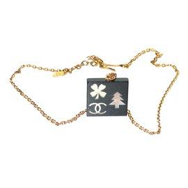 Chanel-Pendant necklace-Black,Golden