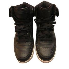 Nike-Sneakers-Black