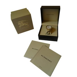Burberry-Fine watches-Multiple colors