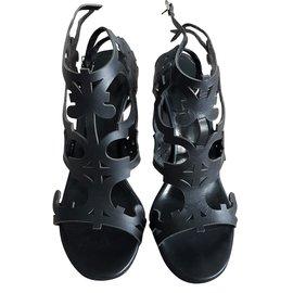 Hermès-Black leather heels-Black